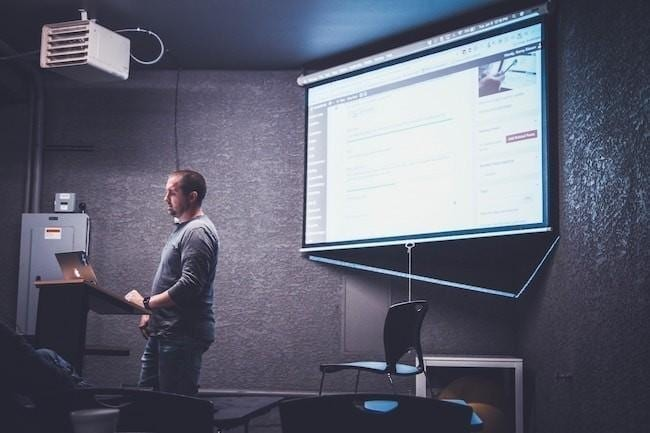 How to prepare meeting equipment