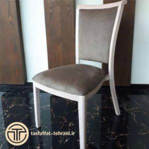 صندلی چوبی قهوه ای
